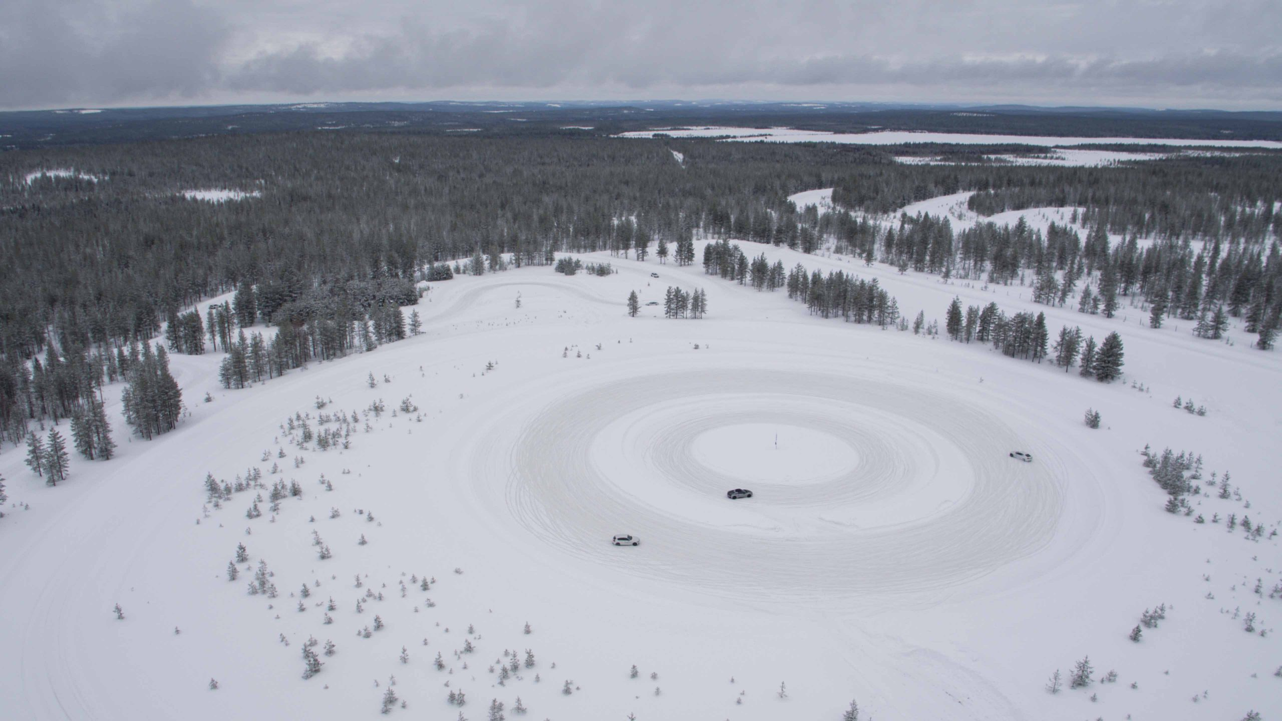 Large circle Ice Drifting Track